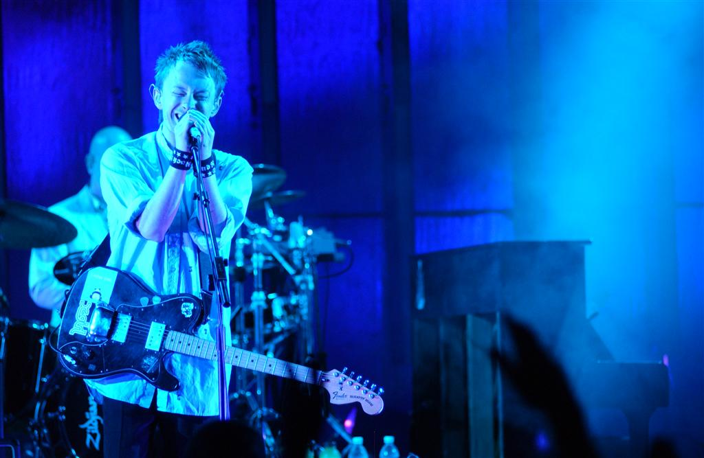 radiohead-hollywood-bowl-2003-01